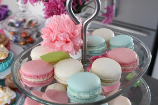 Delicious macarons - they are rose, vanilla and bubblegum flavoured. I'll post the recipe for the bubblegum ones in the next couple of days, so keep a lookout!