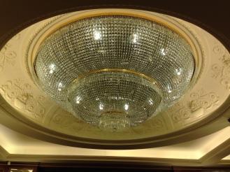 The chandelier in the lobby of Hotel Splendid